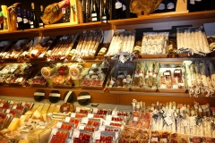 Espagne, Barcelone, jambons, bellotas, patas negras