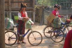 Laos, femme, vélo
