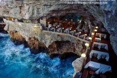 Restaurant, Grotta Palazzese, Pouilles, Italie