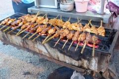Malaisie, cuisine, vendeur de rue, brochettes