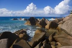 Ile des Seychelles mer et rochers de granit