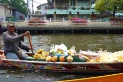 Thaïlande, Bangkok, bateau sur les klongs du fleuve Chao Phraya