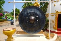Thaïlande, Phuket, temple de Karon beach, Wat Karon, le gong