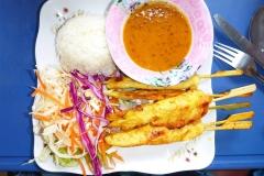 Thaïlande, Phuket, Satay poulet, brochettes sauce saté