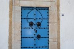 Tunisie, Sidi Bou Saïd, maison blanche et porte bleue