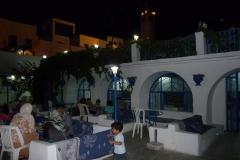 Tunisie, Sidi Bou Saïd, restaurant blanc et bleu