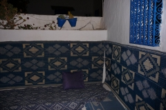 Tunisie, Sidi Bou Saïd, tapis sièges du restaurant