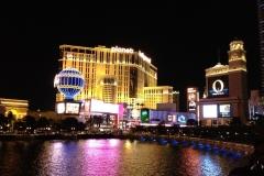USA, Côte ouest, Las Vegas de nuit, Planet Hollywood et Bellagio