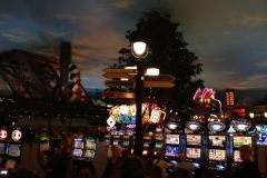 USA, Côte ouest, Las Vegas de nuit, machines à sous
