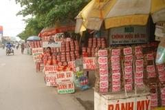 Vietnam, la rue et ses boutiques de nourriture
