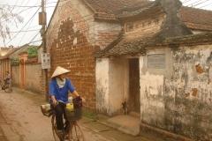 Vietnam, rue ancienne et vélo