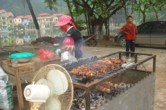 Vietnam, brochettes street food