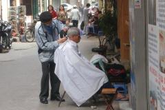 Vietnam, coiffeur de rue