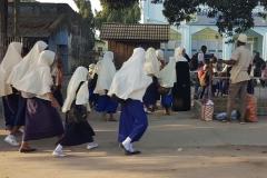 Zanzibar - enfants vers l'école