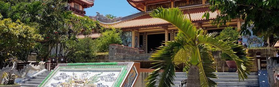 Pagode Long Son Nha Trang Vietnam sud
