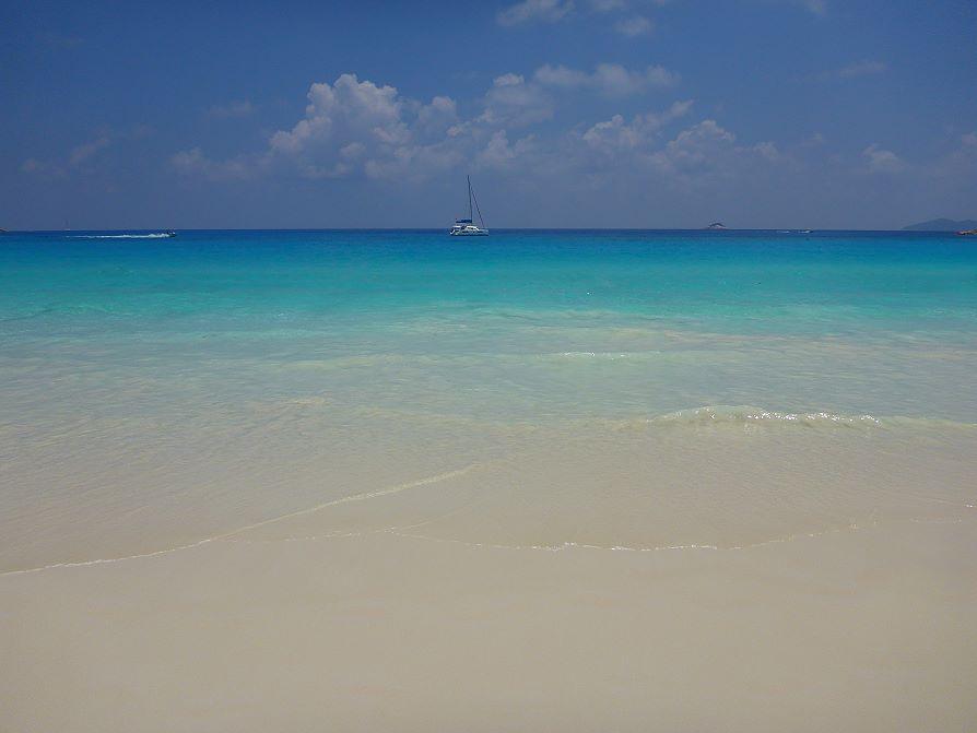 Plage sable fin Anse Lazio Praslin, Seychelles