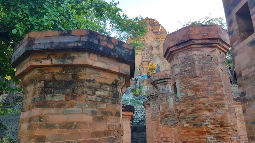 Tours Po Nagar Cham à Nha Trang temple Vietnam