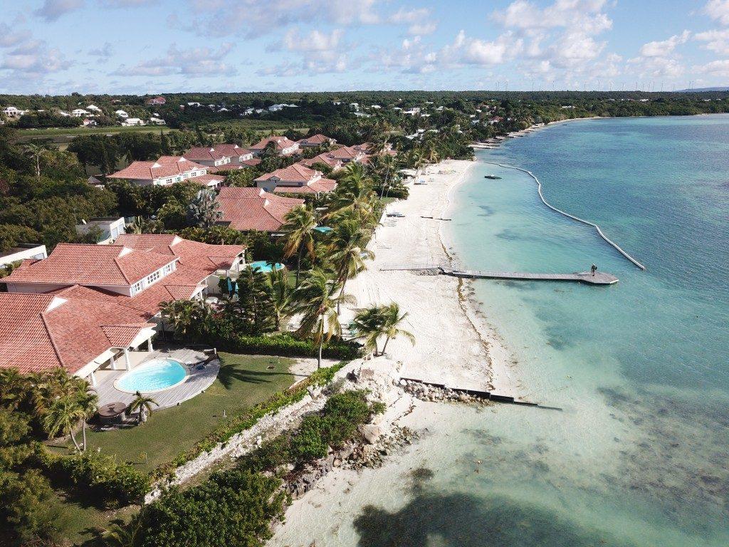 Villa lagon et plage Guadeloupe vue drone
