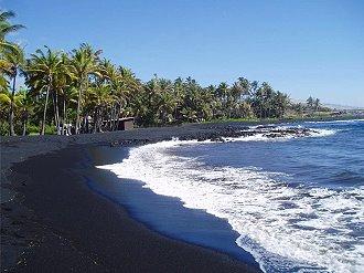 Plage de sable noir Mayotte