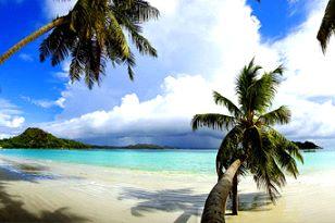 Praslin - Plage de sable blanc