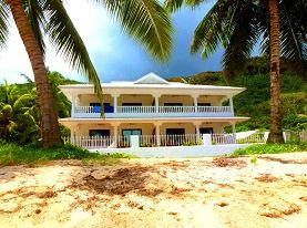 Praslin - Une villa sur la plage